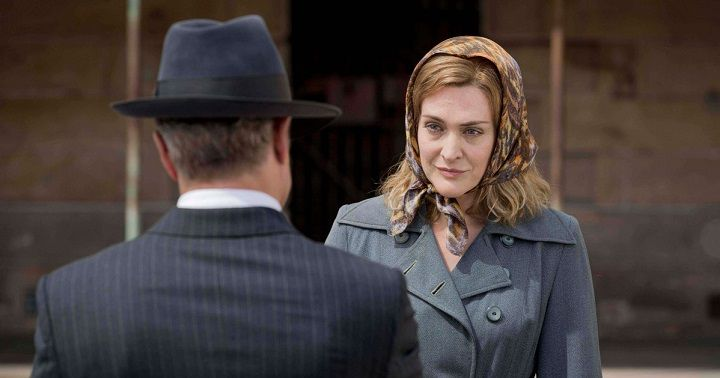 רג'ינה יוצאת מבית המשוגעים. ופוגשת בריצ'רד
